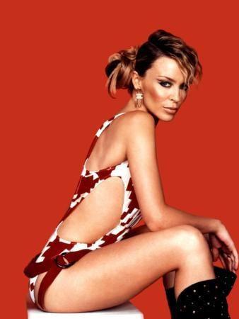 Kylie Minogue göz kamaştırdı