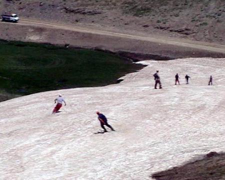 Ağustosta kayak yaptılar!