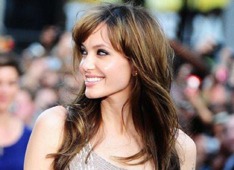 Angelinaya yoğun ilgi