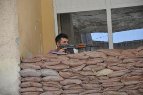 AKP binası böyle korunuyor