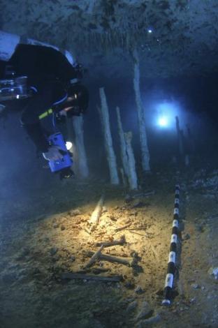 10 bin yıldır suyun altında yatıyor !