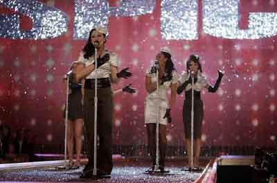 Spice Girls yeniden sahnede