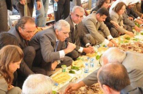 Aşiretlerin barış yemeğinden kareler