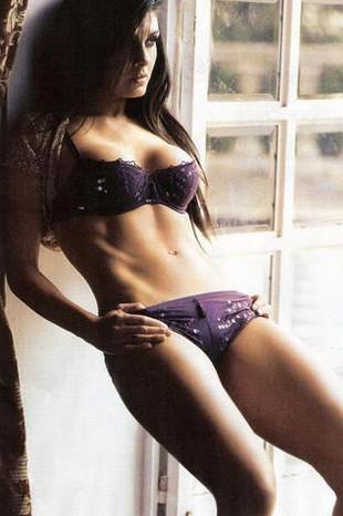 Yeni Bond kızı Mayrin Villanueva