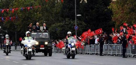 İstanbul, zaferin 87. yıldönümünü kutluyor!