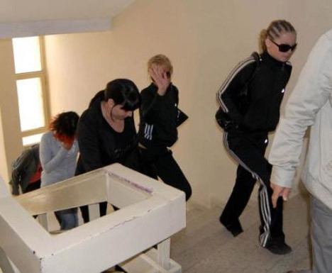 İzmirde fuhuş operasyonu