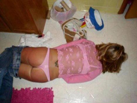 Kızlar alkolü abartınca..