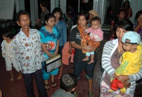 Tsunami Endonezyayı vurdu