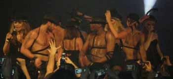 Gay barda Girls Aloud konseri