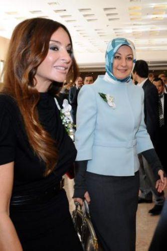 First Ladylerin şıklık yarışı!