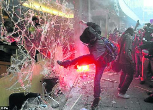 Öğrenci olaylarına şiddet karıştı!