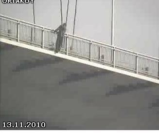 Boğaziçi Köprüsünde intihar girişimi!