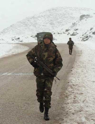 Karda operasyon devam ediyor