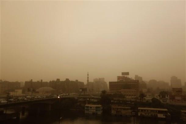 Mısırda kum fırtınası!