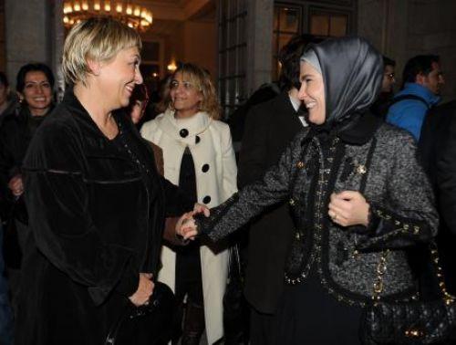 Emine Erdoğanı ağlatan oyun