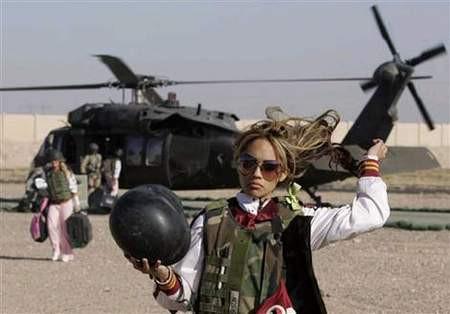 ABD askerlerine ponpon kız morali