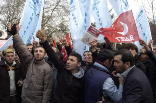 Dizi setini aratmayan protesto