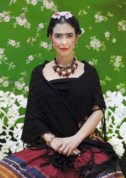 Pelin Batu Frida Kahlo oldu!