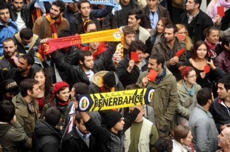 Islık protestosu sokağa indi!