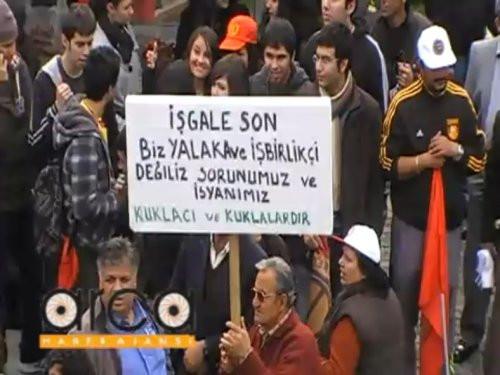 Kuzey Kıbrısta Türkiye karşıtı çirkin pankart!