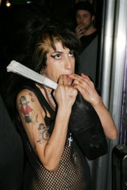 Magazine düşman Amy!