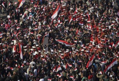 Mısır halkı sokakta!