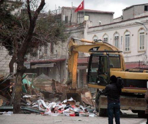 Beyazıtta 22 dükkan yıkıldı