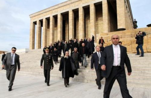 Danıştay üyeleri, Anıtkabiri ziyaret etti