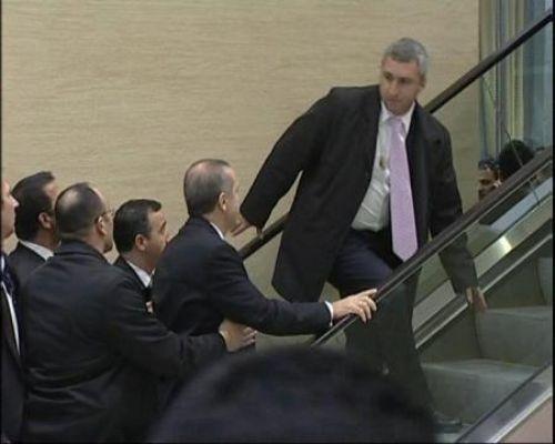 Erdoğan sendeledi