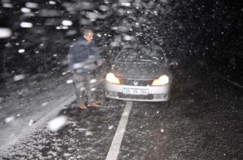 İzmire de kar yağdı!