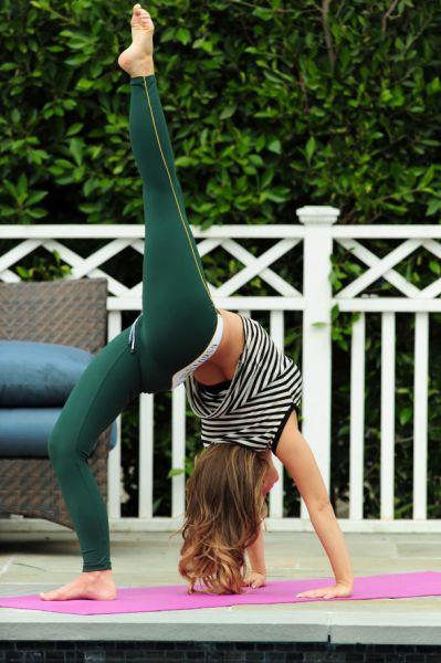 Carmen Electradan yoga dersleri