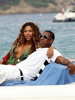 Aşklarını denizde yaşadılar