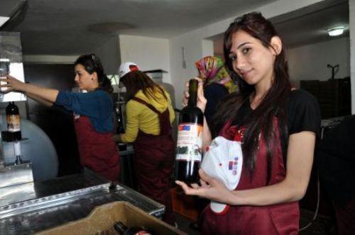 Usta şarapçı olarak üretime başladılar!