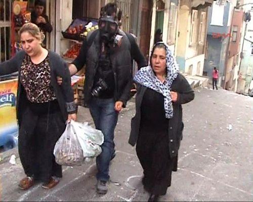 Taksimde ara sokaklar karıştı