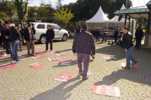Askeri müze önünde protesto