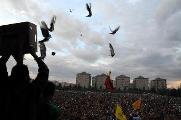 BDP seçim kutlamasında olay türkü !
