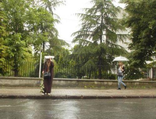 Sağanak yağmur İstanbulu felç etti