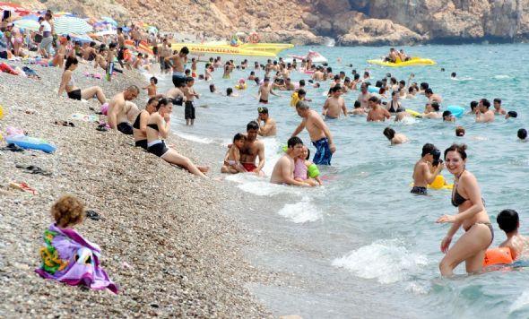 Antalyada sahiller cıvıl cıvıl !