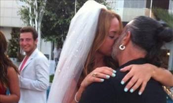 Yılın evliliğine sanal yorumlar !