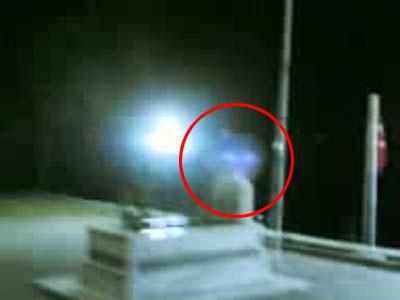 Şehit mezarındaki şok görüntü
