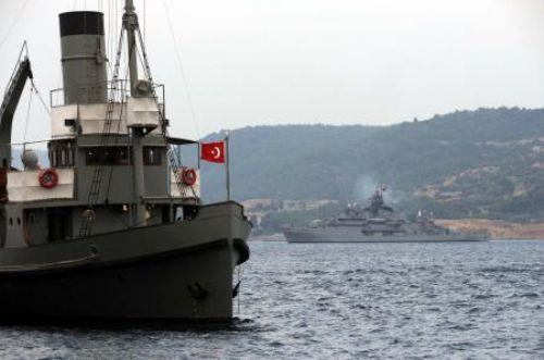 Savaş gemileri Egeye açıldı