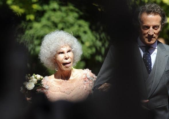 85 yaşında aşk evliliği !