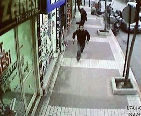 Kaza kurşunu güvenlik kamerasında