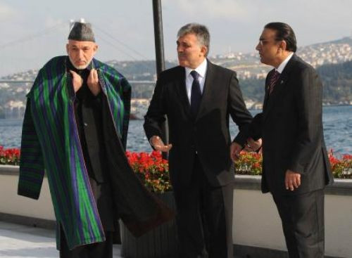 İstanbulda üçlü zirve