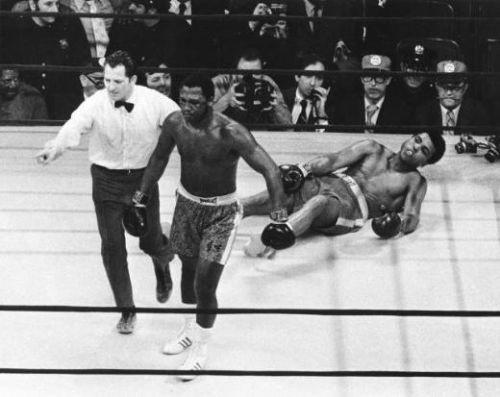 Ünlü boksör hayatını kaybetti !