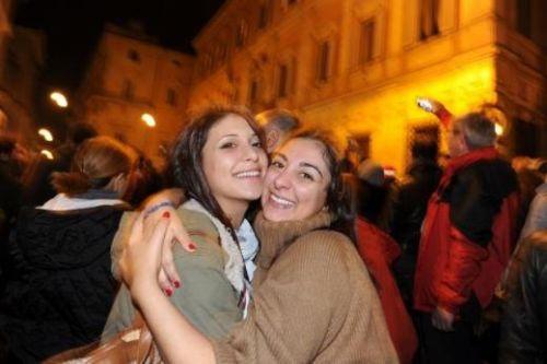 Berlusconinin istifası halkı sevince boğdu