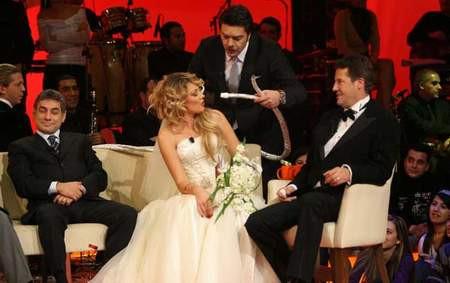 Petek Dinçöz ve Can Tanrıyar canlı yayında evlendi