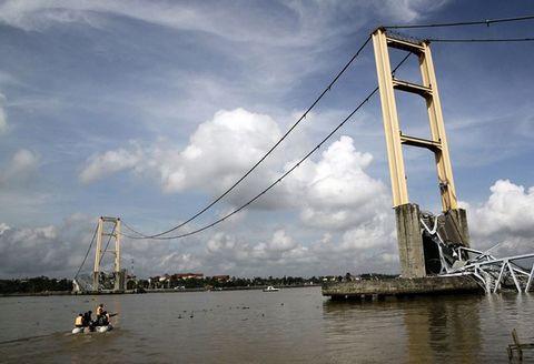 En uzun köprü çöktü !