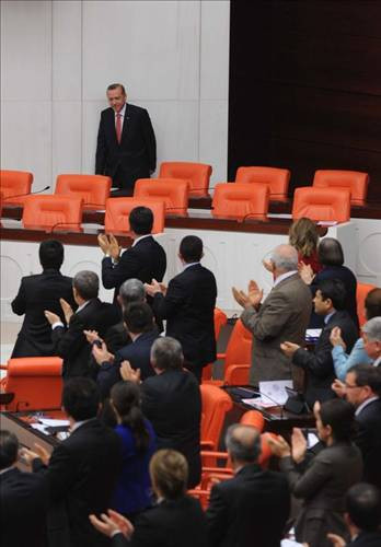 Erdoğan, Mecliste alkışlarla karşılandı