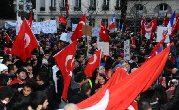 Türkler Fransada ayaklandı
